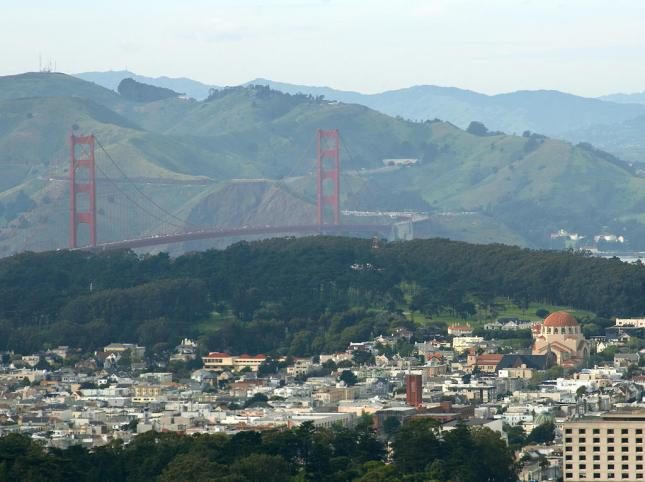 Golden Gate Bridge seen from Twin Peaks