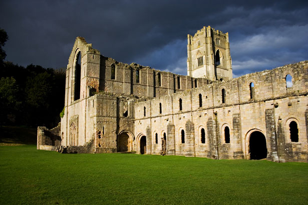 Fountains Abbey right before storm (by Petr Kratochvil)